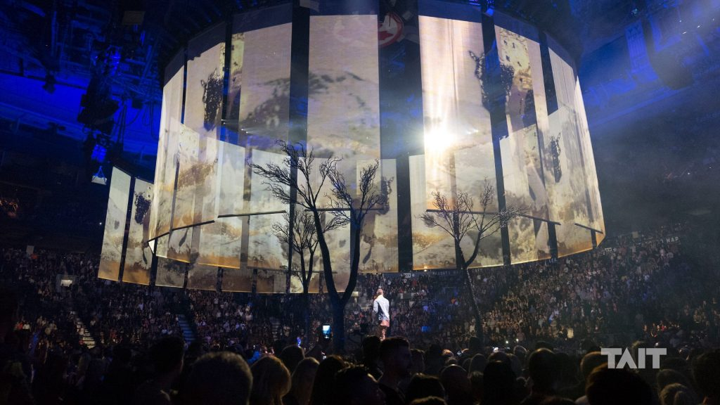 Justin Timberlake Brings The Outside In With A Tait