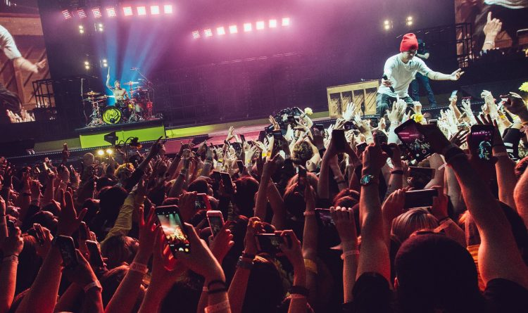 Twenty One Pilots Stage